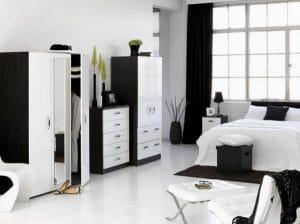 Елегантен черно-бял стил в спалнята