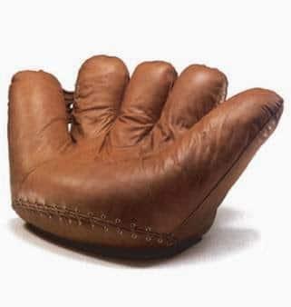 Кресло Joe, с формата на бейзболна ръкавица – Джо Ди Маджио