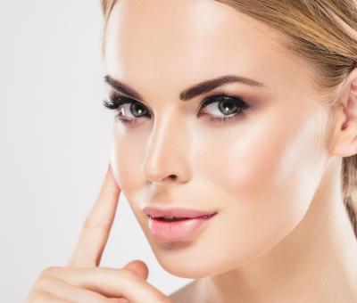 Пет продукта, които дамите с мазна кожа трябва да притежават