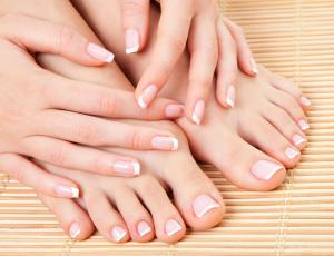нокти на ръцете и краката