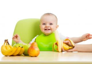 Трябва ли да беля плодовете и зеленчуците за моето бебе?