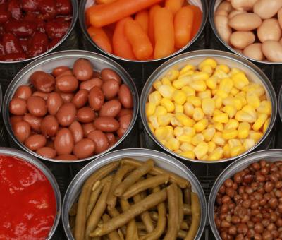 Приготвяне на бебешка храна с консервирани зеленчуци и плодове