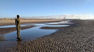 Плажът Кросби