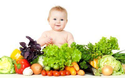 Плодове и зеленчуци за бебето – трябва да бъдат сготвени?