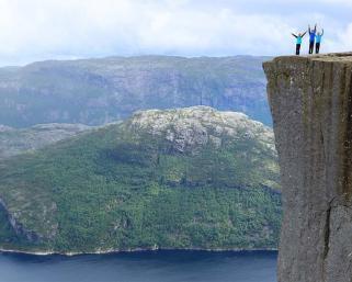 Норвегия – скалата Прейкестолен