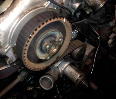 Как да сменим ангренажния ремък на BMW M40 двигател