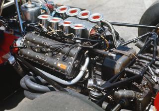 Как работи двигателят на болид от Formula 1