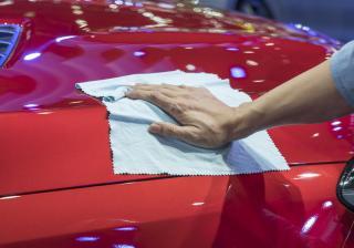 Как да поправим лаковото покритие на автомобила си