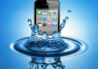 Какво да правим, ако телефонът ни се намокри