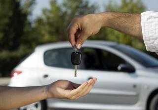 Нова кола или автомобил втора употреба