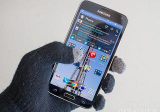 Защо не можем да ползваме смартфона си с ръкавици