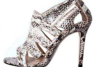 Обувки със змийски принтове