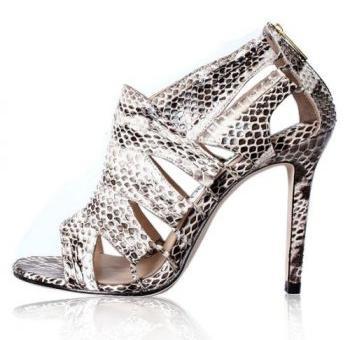 Обувки със змийски принтове за смелите дами