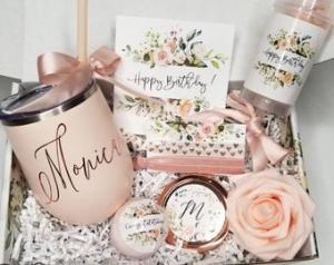 Персонализирани подаръци за любимите жени