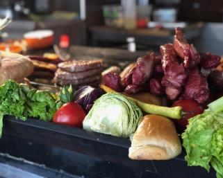 Сръбската кухня – скара, млечни продукти и уникален, изпечен в пещ хляб