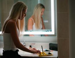 Как да си изберем хубаво, качествено и удобно огледало за баня?