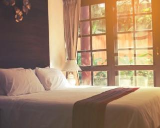 Спалня със специален характер!